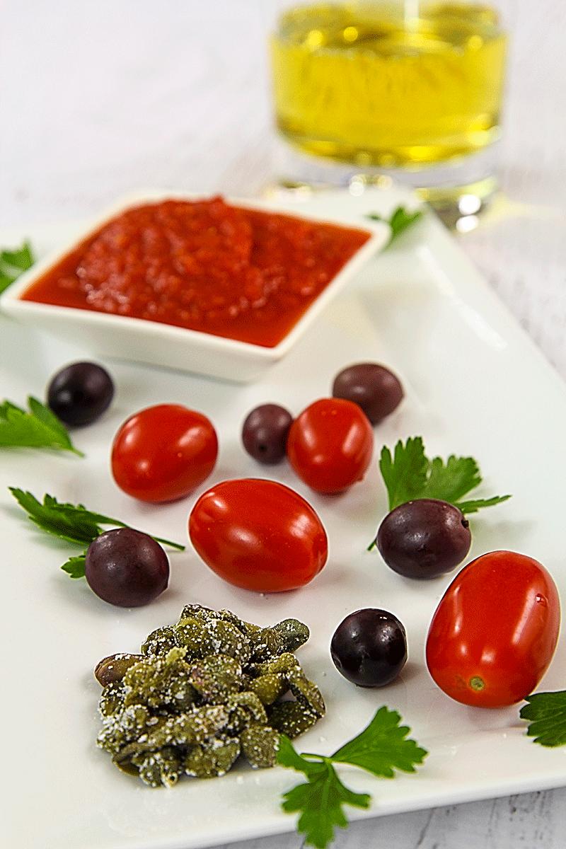 Traditional Italian octopus stew (polpo alla luciana)