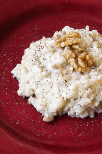 ITALIAN MILK RICE (risotto) with provolone and walnuts