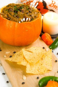 Halloween pumpkin chili with black beans