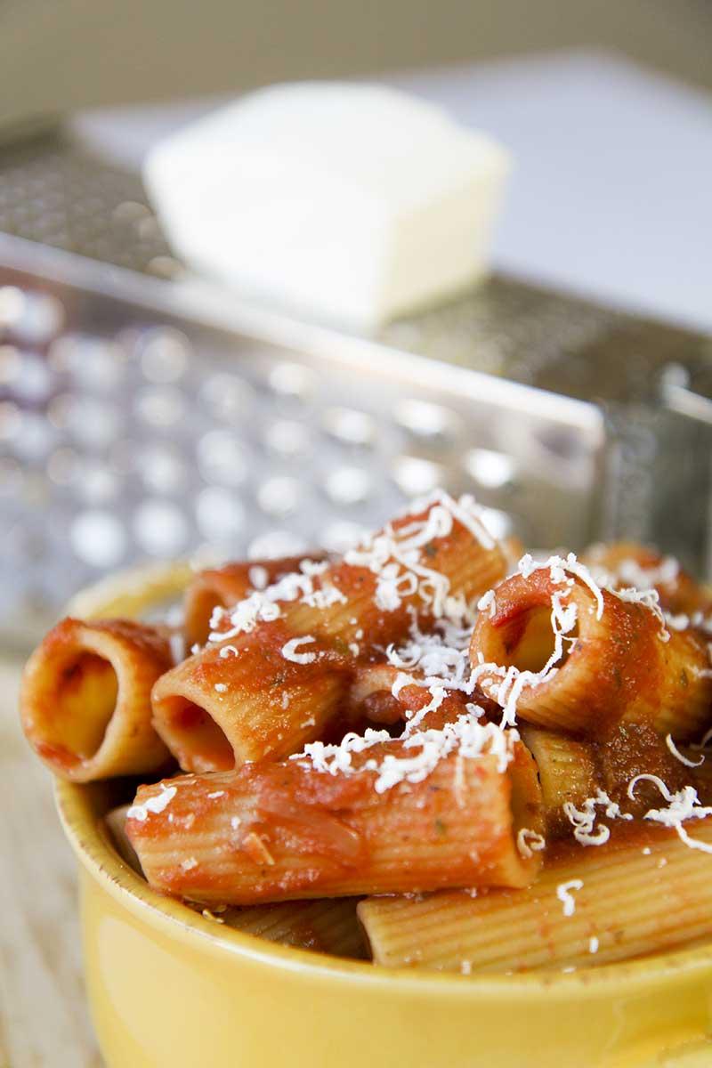 RIGATONI PASTA with pizzaiola sauce
