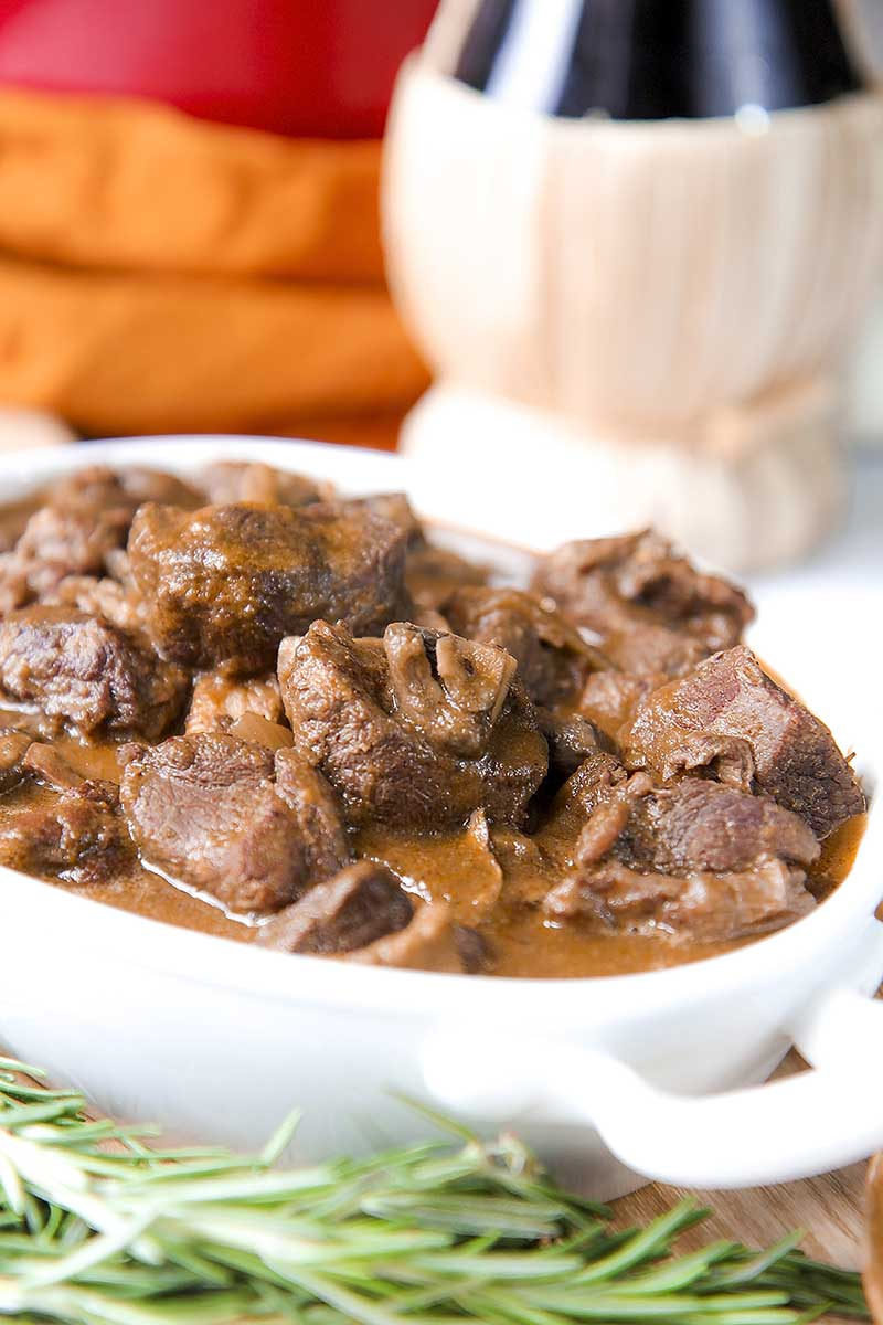 BRAISED WILD BOAR RECIPE with mushroom and red wine
