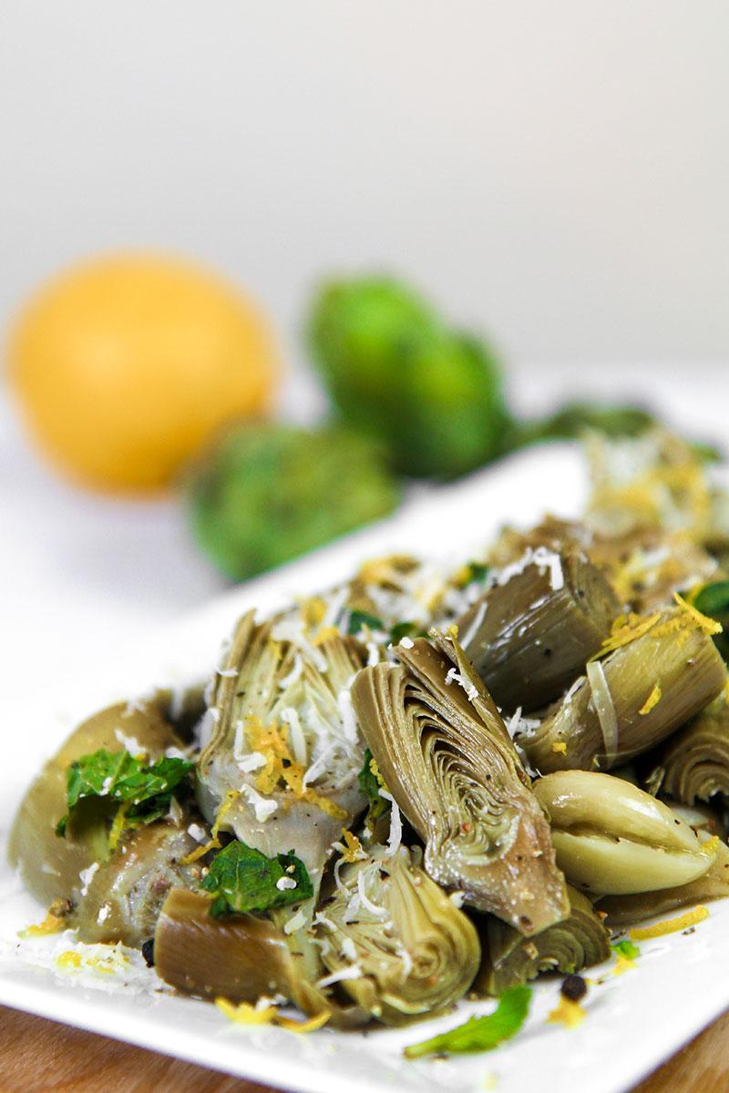ARTICHOKES SPAGHETTI with garlic and Pecorino cheese