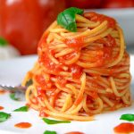 ITALIAN EASY TOMATOES SAUCE with garlic and fresh basil