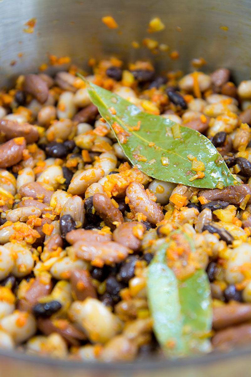 BEAN SAUCE PASTA vegetarian recipe