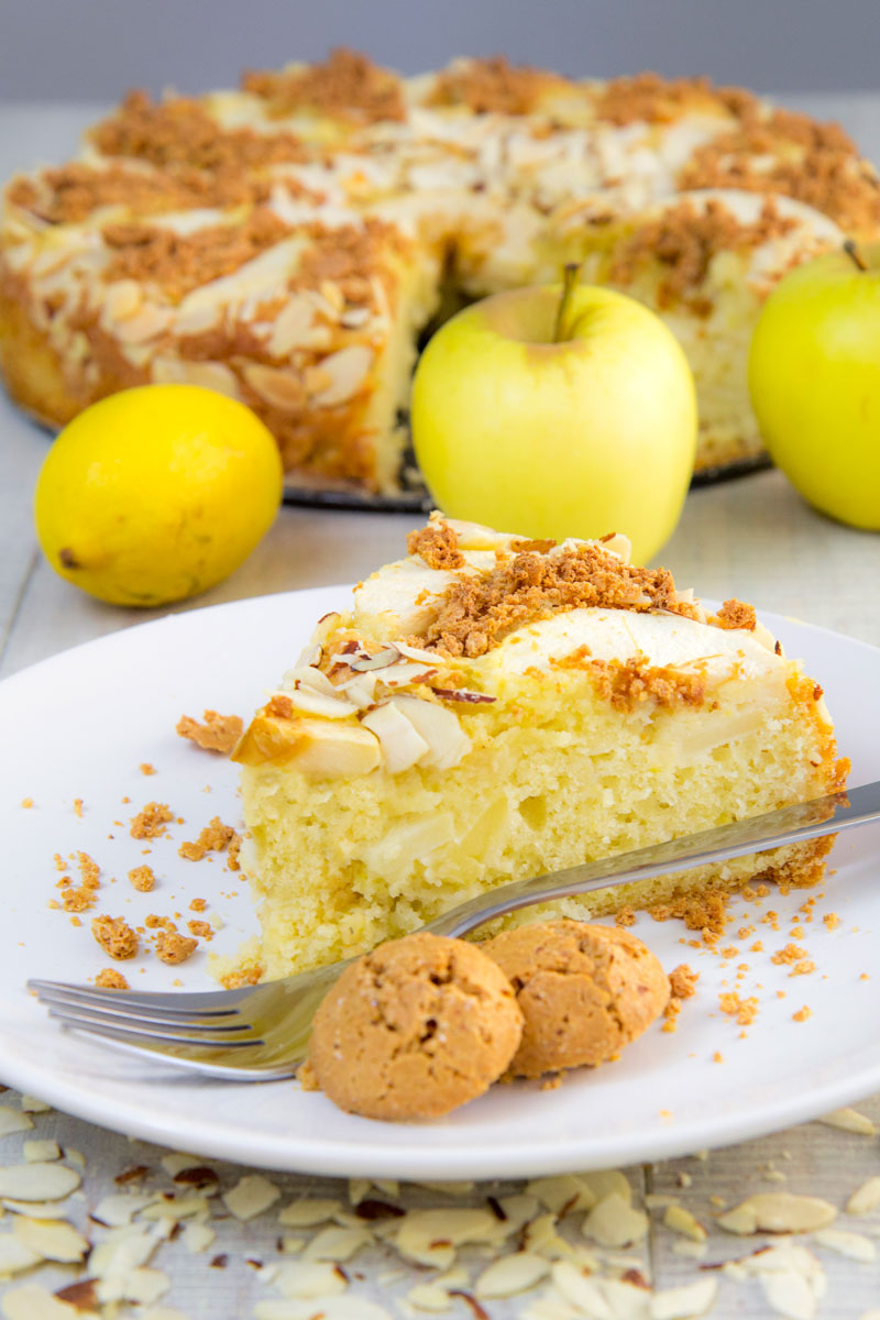 APPLE CAKE ITALIAN WAY with sliced almonds and amaretti snaps