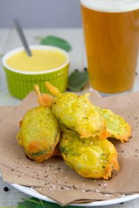 FRIED SAGE WITH BEER BATTER simple and tasty vegan appetizer!