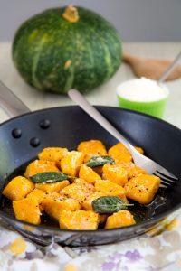 PUMPKIN GNOCCHI RECIPE - how to prepare them homemade!