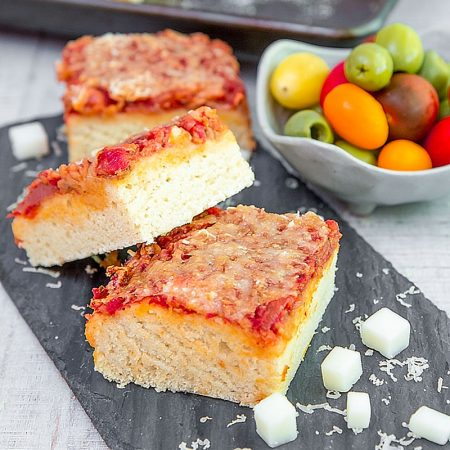 SFINCIONE: SICILIAN PIZZA RECIPE & HISTORY - all you need to know!