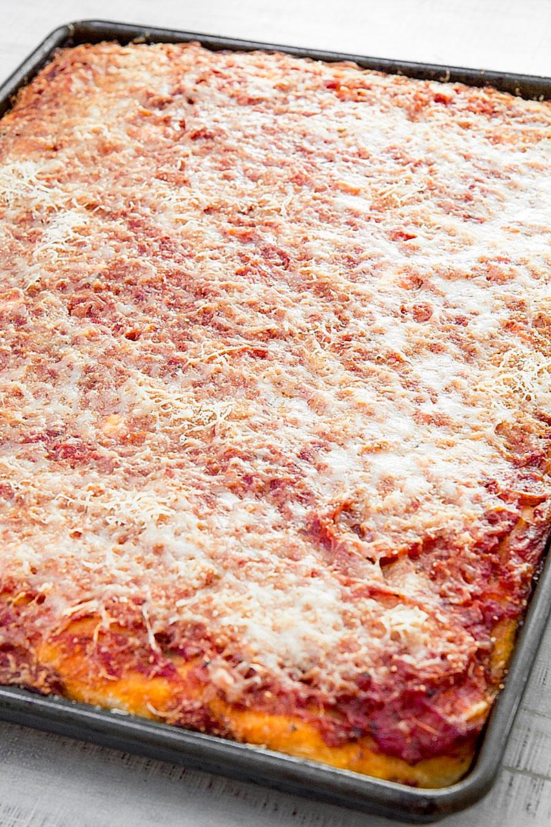 SFINCIONE: SICILIAN PIZZA RECIPE & HISTORY - all you need to know!