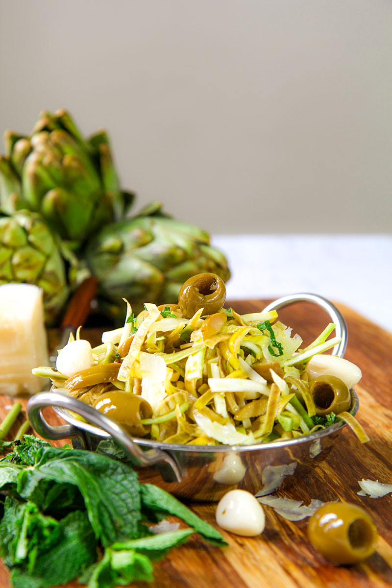ARTICHOKES SALAD with green olives and sweet garlic