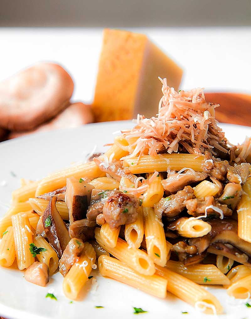 SAUSAGE AND MUSHROOMS PASTA