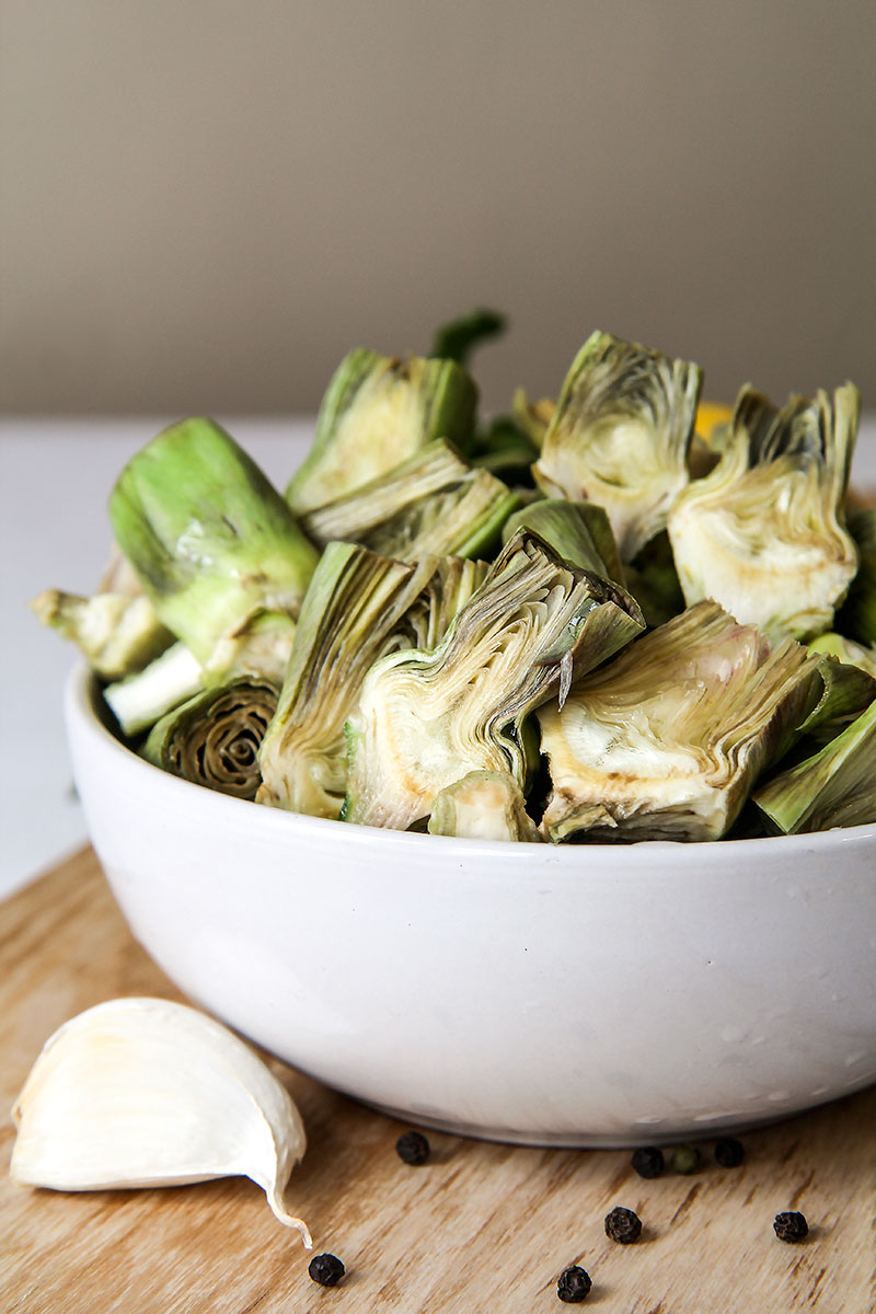 ARTICHOKES DIP with garlic, fresh mint and lemon zeists
