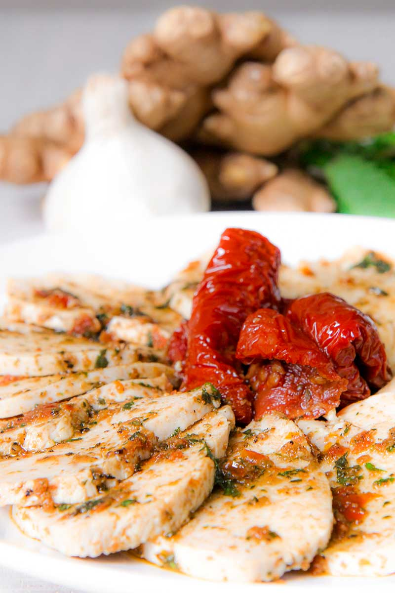 MOIST & TENDER CHICKEN SALAD with sun-dried tomatoes pesto