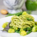 PESTO GENOVESE with green beans and potatoes (pesto avantaggiato)