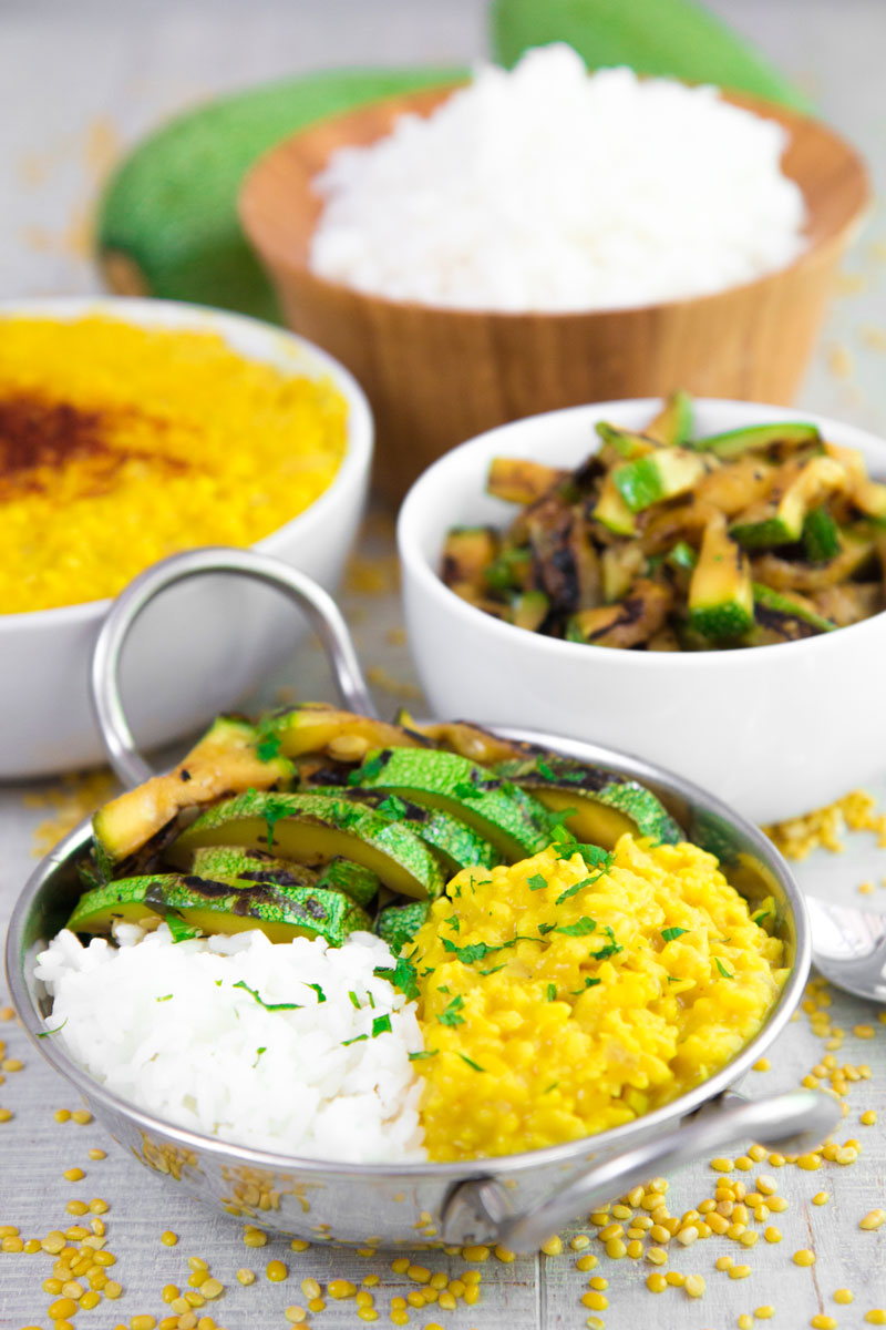 YELLOW LENTILS RICE BOWL with grilled zucchini and fresh mint