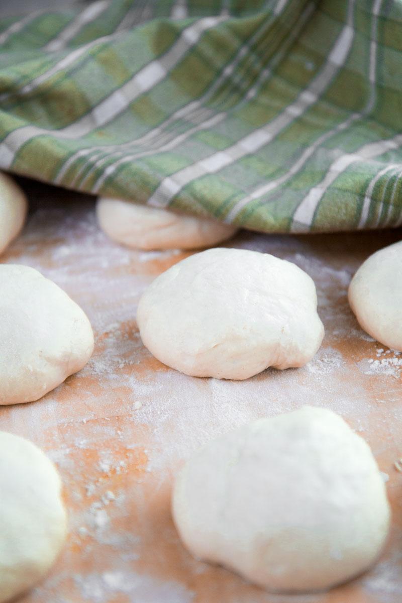 GREEK PITA BREAD RECIPE - easy and tasty!