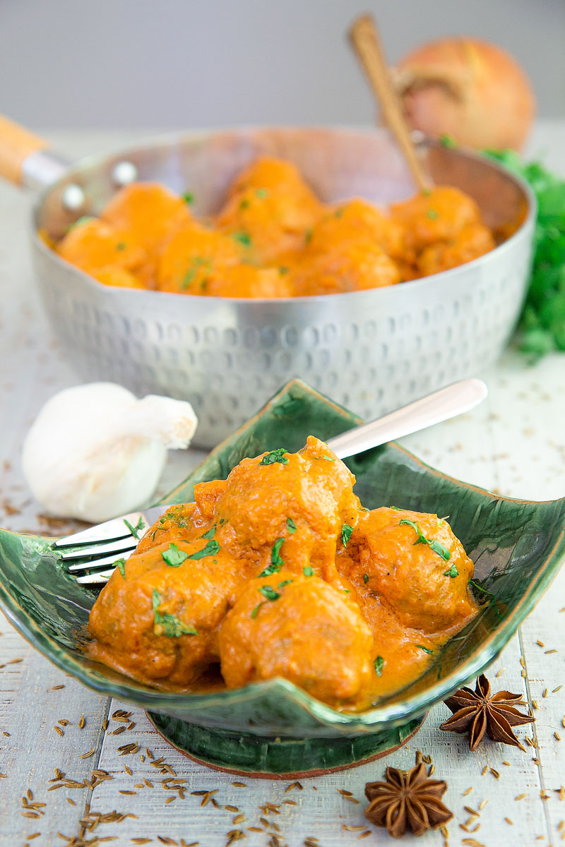BISON MEATBALLS ASIAN-STYLE with spicy coconut sauce